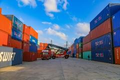 水上设备到达六旗浙江飓风港